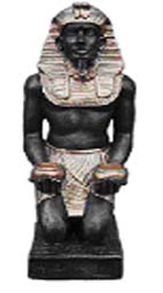 Pharao mit Kerzen