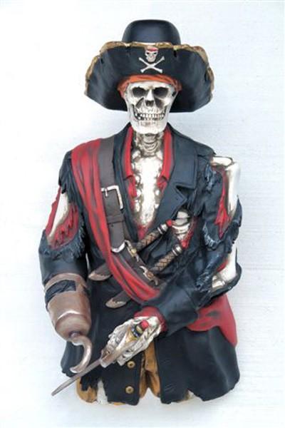 Piratenskelett halb
