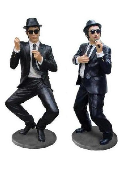 mittlere Blues Brothers performen
