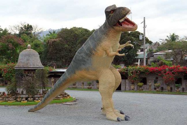 T-Rex Saurier sehr groß