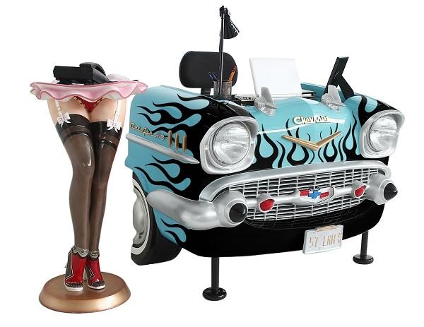 Schreibtisch Chevy Hellblau mit schwarzen Flammen