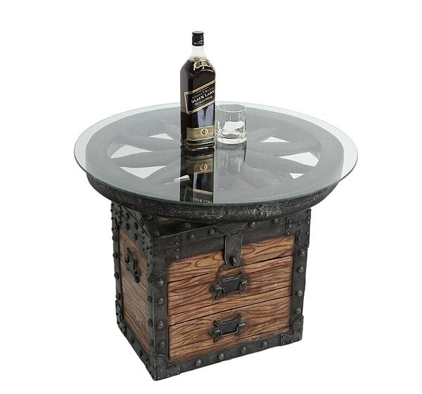 truhe und wagenrad tisch mit glasplatte walt deko. Black Bedroom Furniture Sets. Home Design Ideas