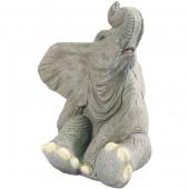 sitzender Elefant
