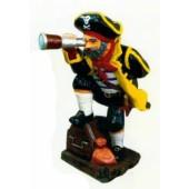 mittlegroßer Pirat mit Fernrohr und Schatzkiste
