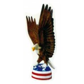 Weißkopfseeadler mit Amerikaflagge