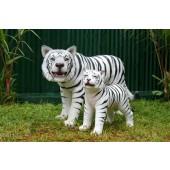 Weißer Tiger mit Baby