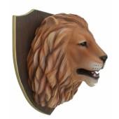 Löwenkopf auf Holz