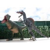 Dinosaurier Spinosaurus greift Tyrannosaurus an