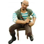 Pirat Pedro auf Stuhl