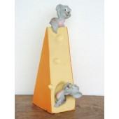 Käse mit 2 Mäusen