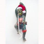 Weihnachtsgnom hängend