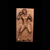 Boxer als bronzefarbende Wandtafel
