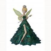 stehende Fee mit grünem Kleid