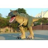 Lebensgroßer T-Rex in Angriffshaltung