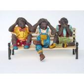 Affen auf Bank