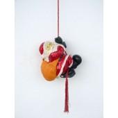 Weihnachtsmann am Seil hängend