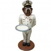 Hund Bulldogge als Admiral