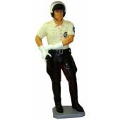 Policeman lebensgroß mit Waffe