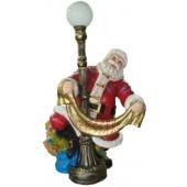 Weihnachtsmann an Lampe, elektrisch beleuchtet