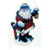 Weihnachtsmann mit Laterne und Kind