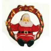 Weihnachtsmann sitzend im Kranz