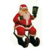 Weihnachtsmann klein auf Schlitten mit Laterne