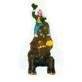 Clown klein reitet Elefanten
