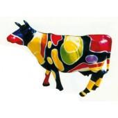 große Kuh mit farbigen Flecken