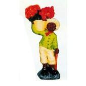 kleiner Negerjunge mit Blumenschale auf dem Arm
