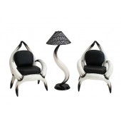 Stierhornsitze und Lampe