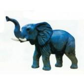 kleiner Elefant mit Stoßzähne