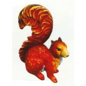 Eichhörnchen mit langem Schwanz