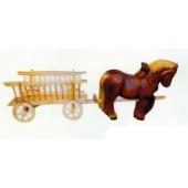 braune Arbeitspferde ziehen Leiterwagen