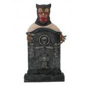 Werwolf Grabstein mit Totenköpfen und Kreuz
