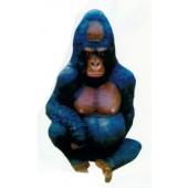 großer sitzender Gorilla