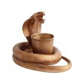 Goldene Kobra Schlange mit Abfalleimerhalterung