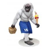 Yeti in Basketballhose mit Eis und Korb