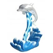 Delfin auf Wellen
