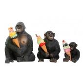Affenfamilie mit Eis