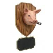 Schweinekopf mit Zigarre und Angebotsschild