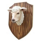 Schafskopf auf Holz