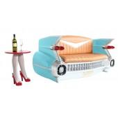 Sofa Cadillac Hellblau mit braunem Polster und Zeitschriften und