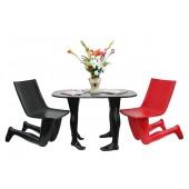 Schwarzer oder roter Beintisch mit schwarzem und rotem Beinstuhl