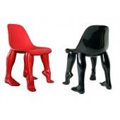 Rote  oder Schwarze Beinstühle