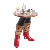Rote Stiefel Tisch