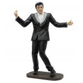 Elvis im schwarzen Anzug