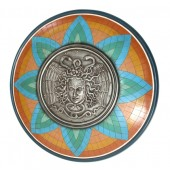 Antikes Mittelalterliches Schild mit Medusa Orange Blau Grün