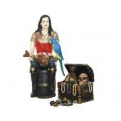Piratenfrau auf Weinfass mit Schatztruhe
