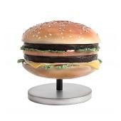 1 Burger auf kleinem Ständer