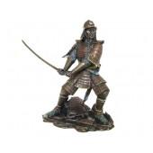 Samurai mit Schwert rechts